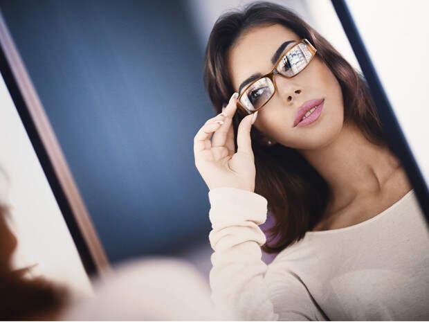 Как выбрать правильную оправу по типу лица: советы стилиста