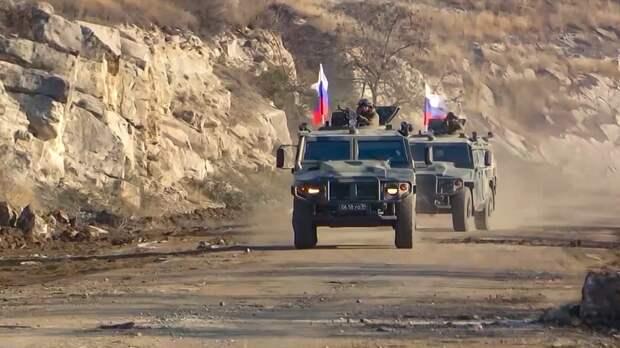 Военнослужащие ВС России сопроводили колонну с 200 тоннами гуманитарного груза в НКР