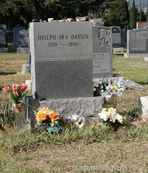 Joe_Dassin_-_Hollywood_Forever