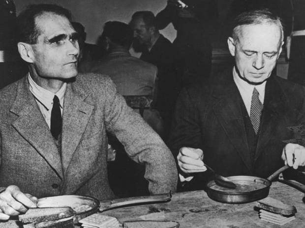 """Заместитель Гитлера Рудольф Гесс """"был убит британскими агентами"""", чтобы он не выдал секреты войны (""""The Independent"""", Великобритания)"""