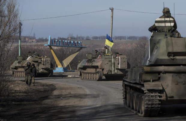 Стрелков объяснил, почему нельзя отводить войска от линии разграничения