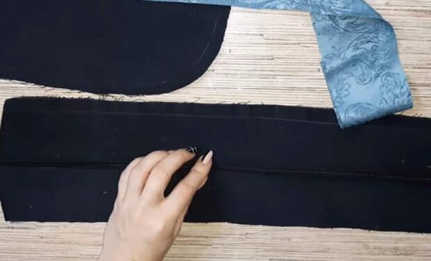 Только посмотрите, что можно сделать из двух пар старых джинсов!