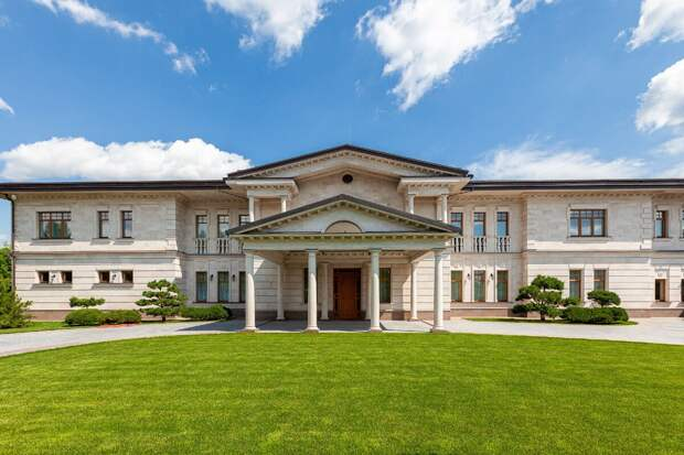 В Savills оценили дорогие дома Подмосковья