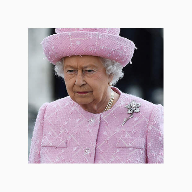 012 small Любимые броши британской королевы Елизаветы II