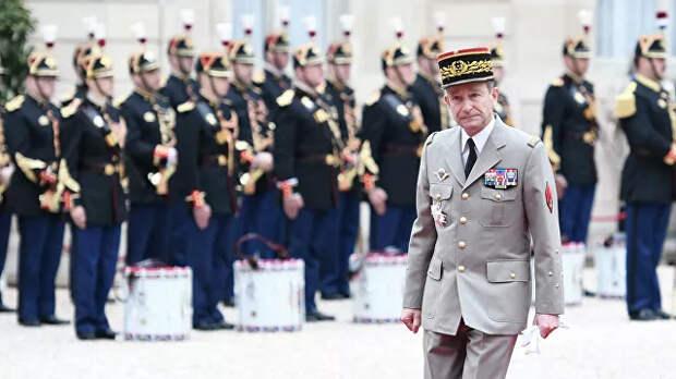 Французам пригрозили военным переворотом. Они не испугались