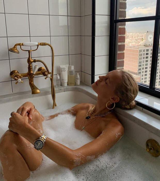 С чем полезно принимать ванны: 5 вариантов