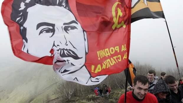 Independent: Тень Сталина нависла над Россией