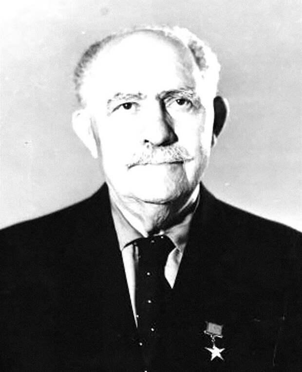 Главный завхоз Сталина: 10 фактов о Лазаре Кагановиче