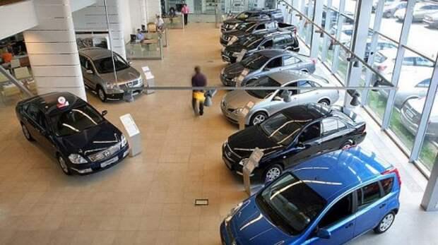 Рынок легковых автомобилей на Украине рухнул на 76%