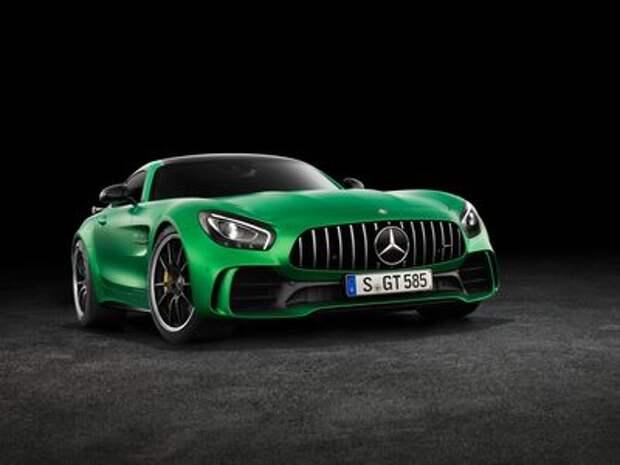 Начало великой охоты: Mercedes-AMG GT R садится Porsche на хвост