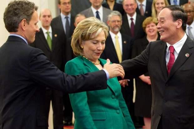 Неуклюжие рукопожатия в мире политики