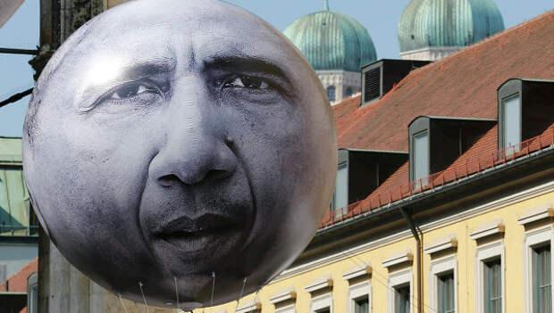 Воздушный шар с изображением лица президента США Барака Обамы в Мюнхене.
