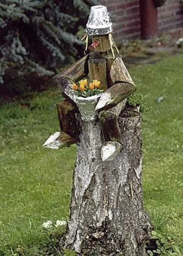 сказочный дровосек в саду