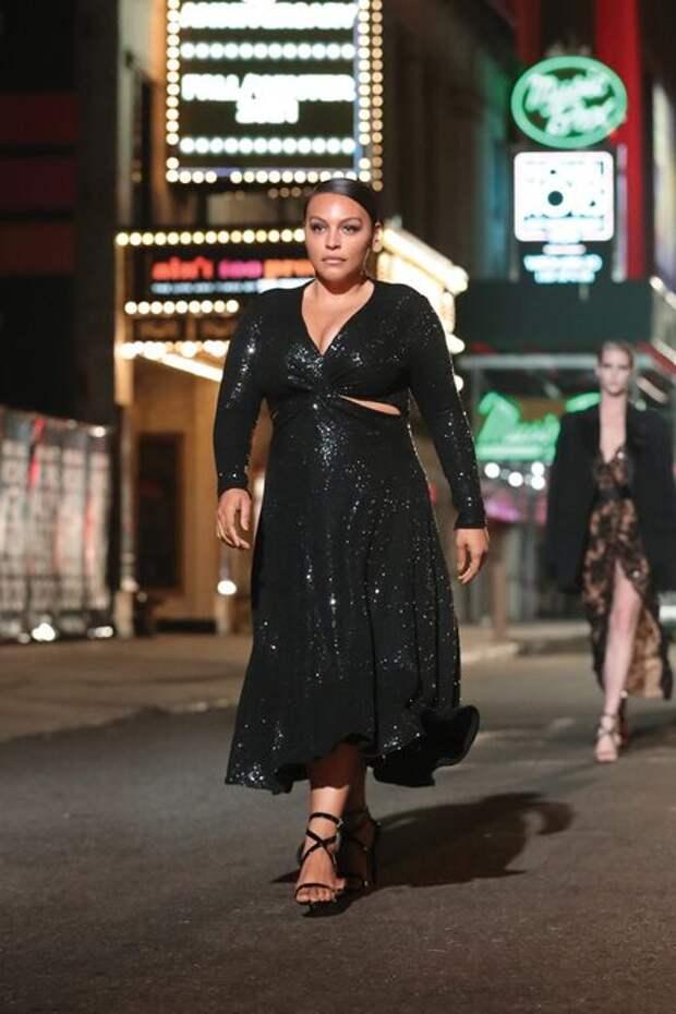 Ирина Шейк, Наоми Кэмпбелл, Белла Хадид и другие на показе Michael Kors в Нью-Йорке