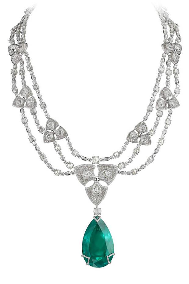Avakian Pear shape emerald necklace
