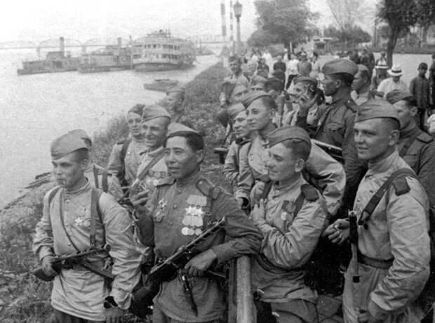 Военная форма разных времен: история становления военного костюма