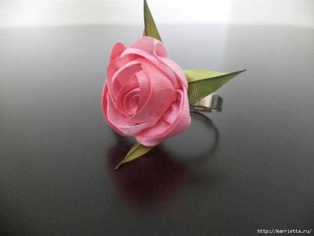 Миниатюрные цветы из ленточек. Мастер-классы (30) (700x525, 180Kb)