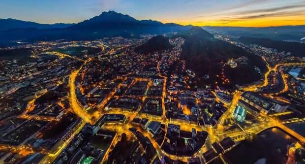 Вид с высоты птичьего полета на жемчужину Швейцарии - Люцерн
