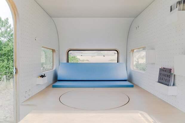 Компактный дом-офис на колесах
