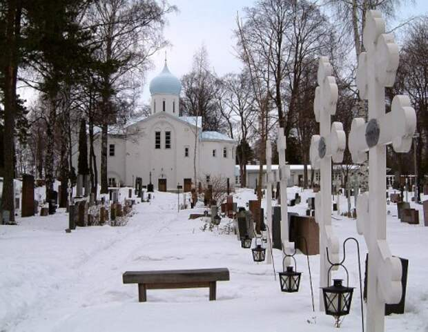Когда можно и нельзя ходить на кладбище