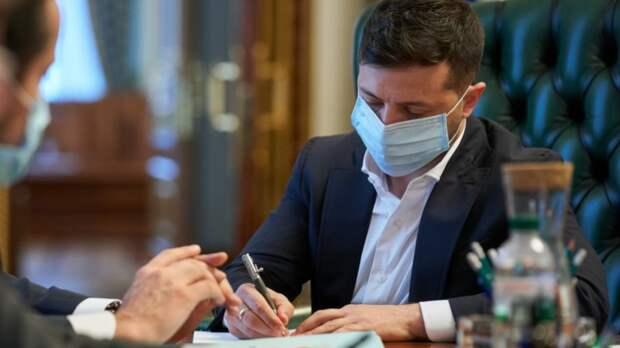Зеленский подписал закон о референдуме на Украине