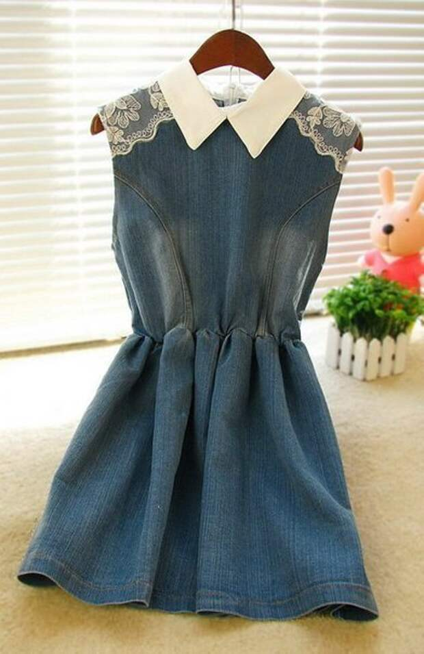 Три джинсово-кружевных платья