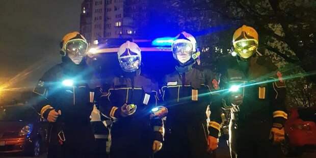 Пожарные и спасатели столицы приняли участие в акции «Фонарики Победы»