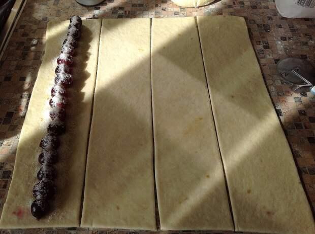 Хитрый пирог с вишней