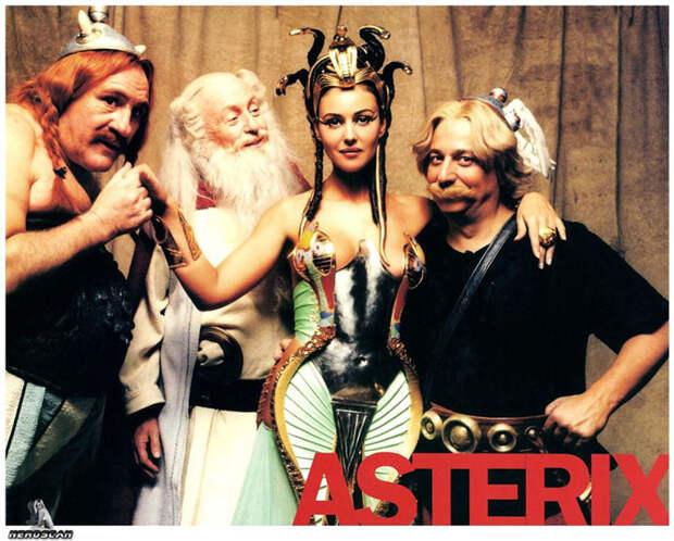 Моника Белуччи (Monica Bellucci) в фотосессии для фильма «Астерикс и Обеликс: Миссия «Клеопатра» (Asterix & Obelix Meet Cleopatra) (2002), фотография 13