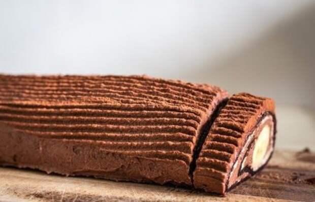 Шоколадно-банановый рулет за 15 минут