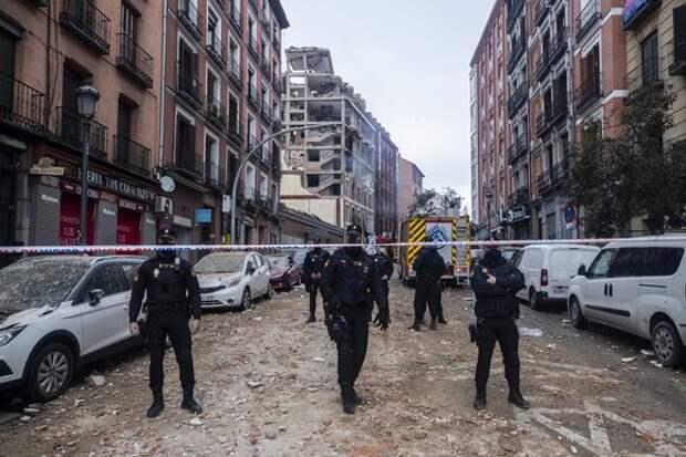 Число жертв взрыва в здании в Мадриде возросло до четырех