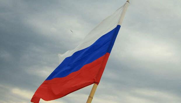 Над Аляской торжественно поднят флаг России