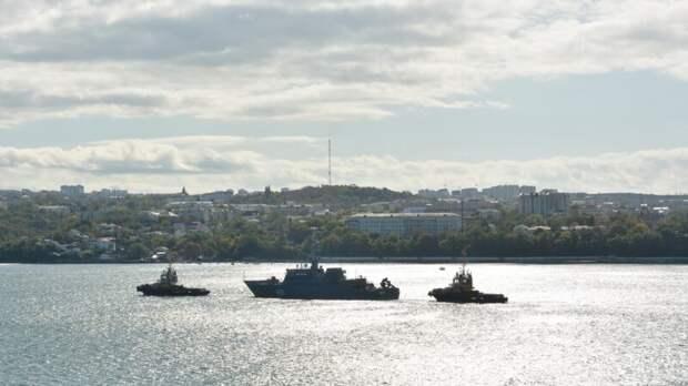 Начальник подразделения флота рыбачил на служебных судах на Дальнем Востоке