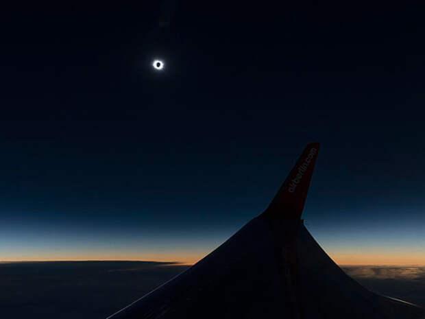 Затмение из самолета