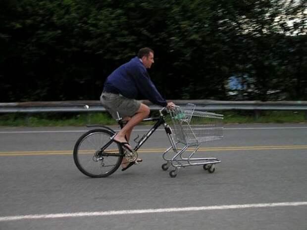 Корзинка из супермаркета с педалями.
