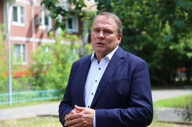 Петр Толстой открыл в Кузьминках новое помещение центра «Большая семья»