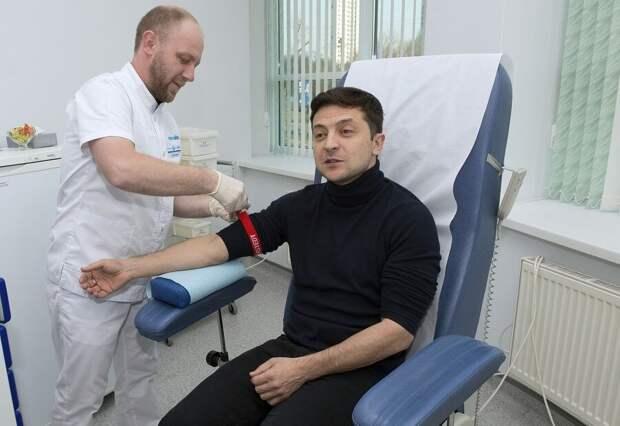 Украинцы ждут результатов: Зеленский сделал тест на коронавирус