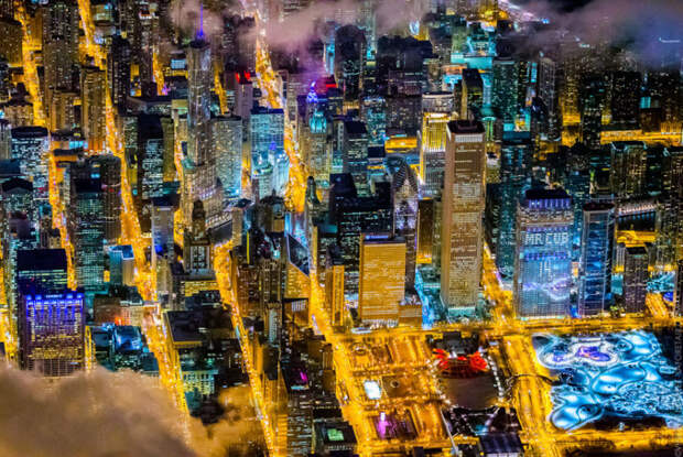 10 невероятных аэроснимков ночных городов