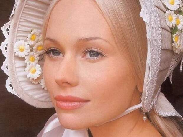 Постаревшая Елена Корикова отпраздновала 43-летие в грузинском ресторане