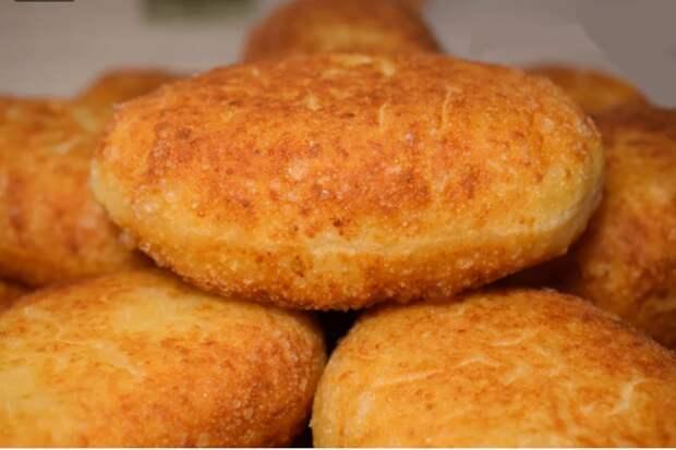 Пирожки на моём фирменном тесте -«10 минутке»: без дрожжей и жирных брызг