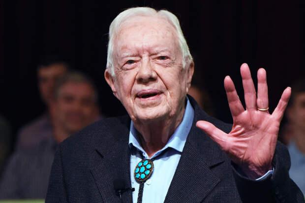 Рептилоиды? Чужие? Помните президента США Джимми Картера? А, вас тогда ещё не было! А он всё ещё жив! Почему богатые живут подозрительно долго?