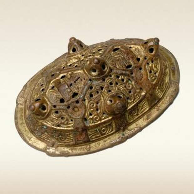 Фибула овальная из инвентаря женского погребения в Киеве, X век