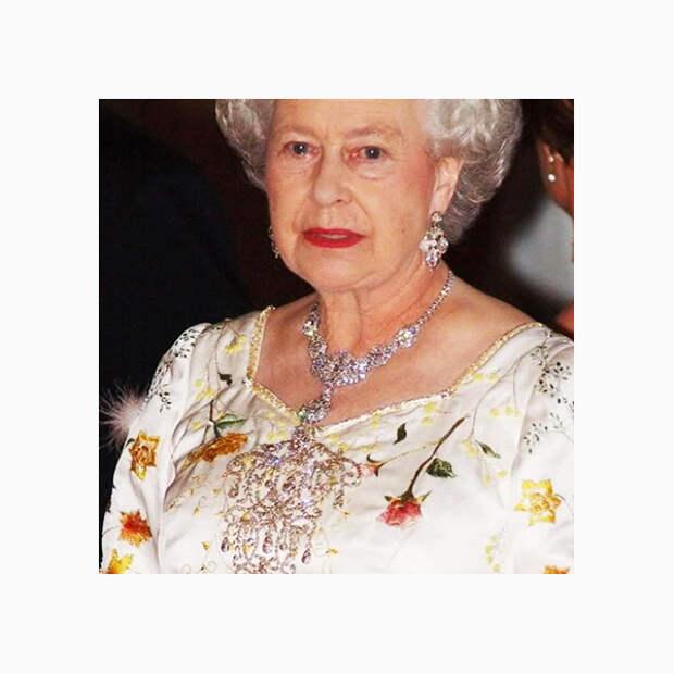 011 small Любимые броши британской королевы Елизаветы II