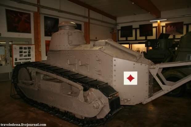 Танковый музей в Парола музей, фото