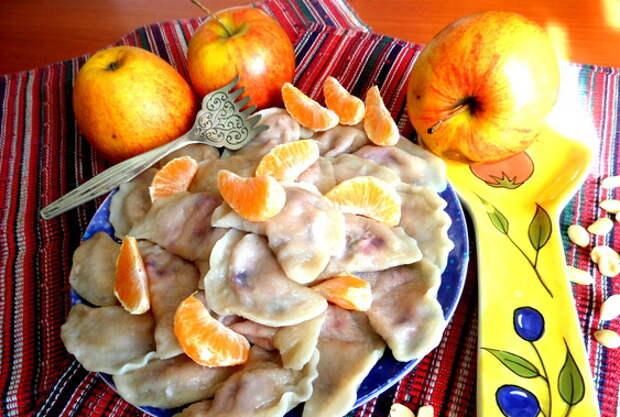 Рецепты по четвергам. Вареники с тропическими фруктами (2)
