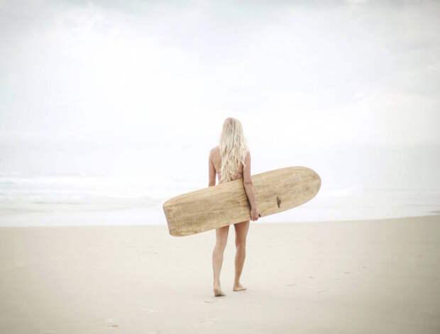 Девушки на досках для серфинга
