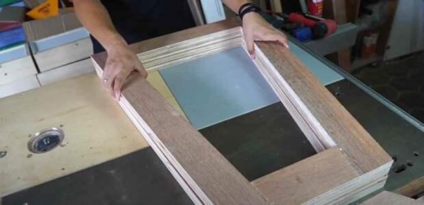 Раскладной столик, который трансформируется в стеллаж