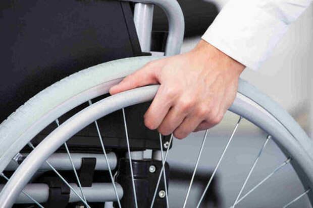 Водители-инвалиды на АЗС: желанные гости?