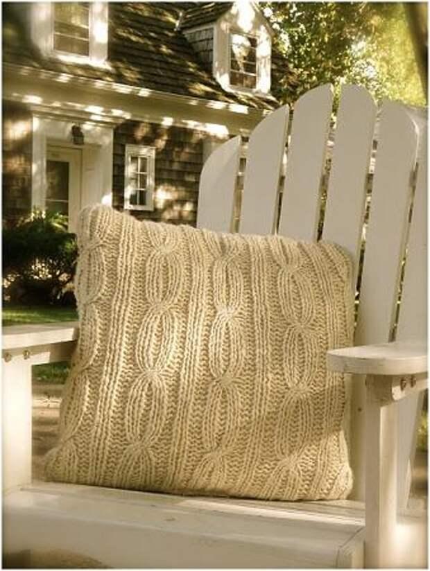 подушка на дачном стуле (339x451, 37Kb)