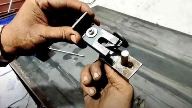 Как сделать запирающее устройство для калитки своими руками
